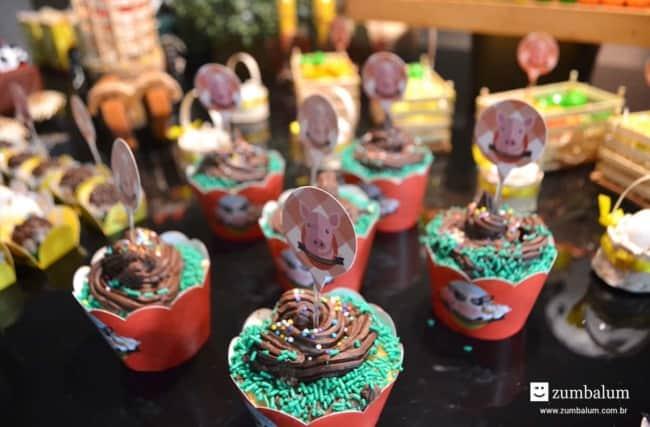 Cobertura de brigadeiro para cupcake de fazendinha