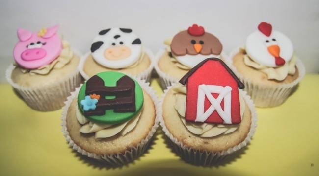 Diversas formas de decorar cupcakes fazendinha