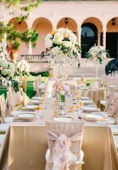Festa de casamento dos sonhos com decoração dourada3