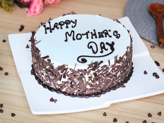 Homenagem para o dia das mães bolo branco com chocolate