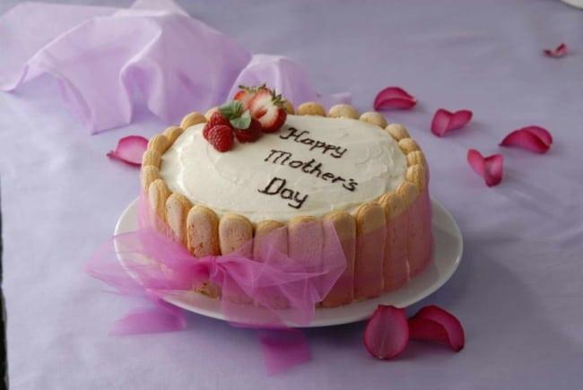 Homenagem para o dia das mães bolo com biscoitos