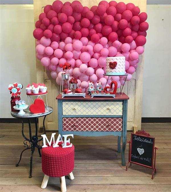 Homenagem para o dia das mães decoração com balões