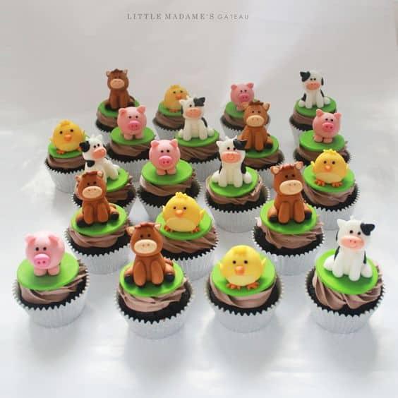 Ideia de cupcake fazendinha com bichinhos para festa