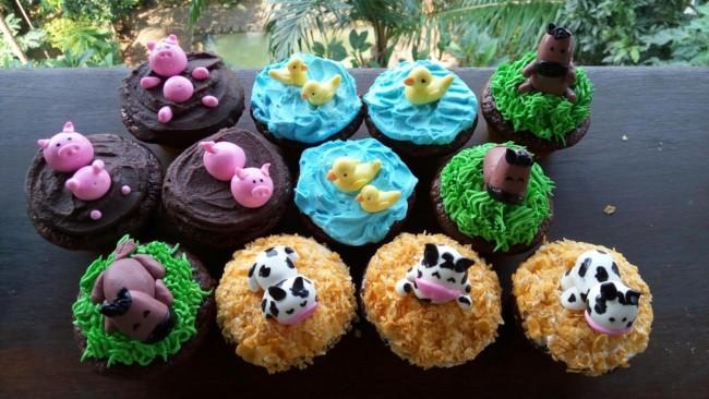 Maneira de fazer cupcake de fazendinha de bichos