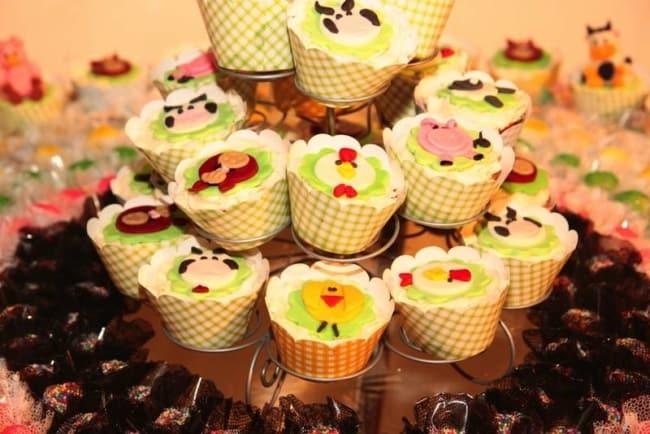 Pasta americana para decorar cupcakes fazendinha