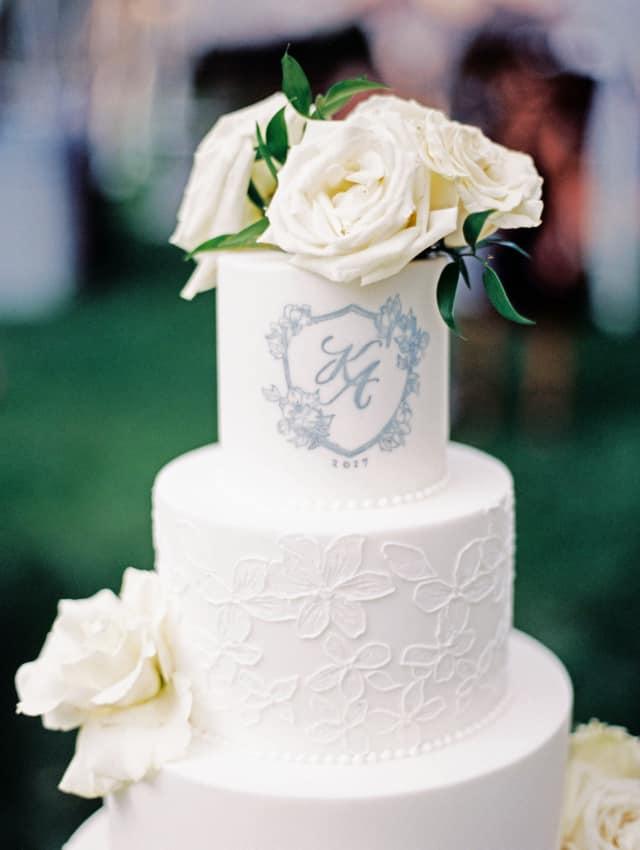 bolo com Brasão de casamento