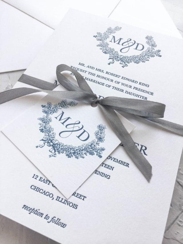 lindo convite com Brasão de casamento