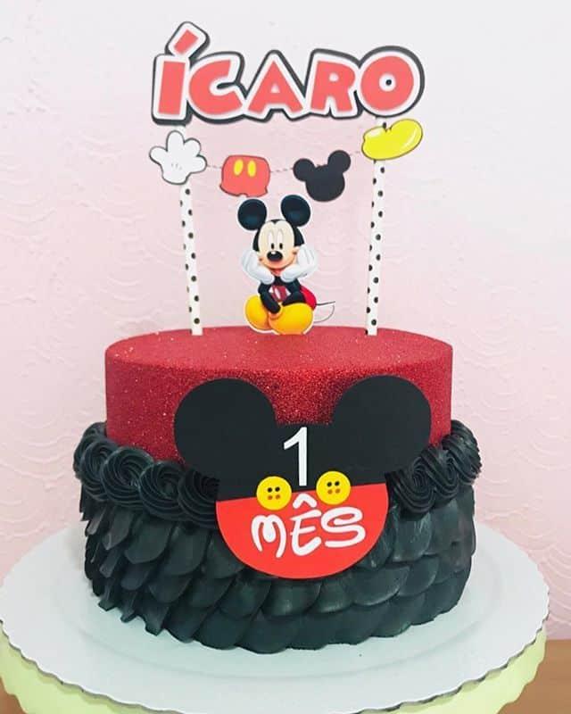 Bolo decorado do Mickey para comemorar 1 mês de idade