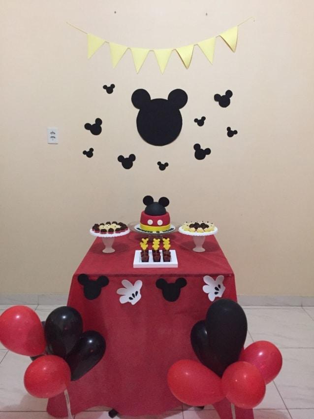 Dica de decoração simples para mesversário do Mickey
