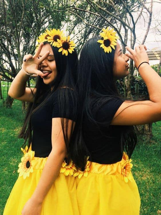 Fantasia de girassol com blusa preta com saia amarela