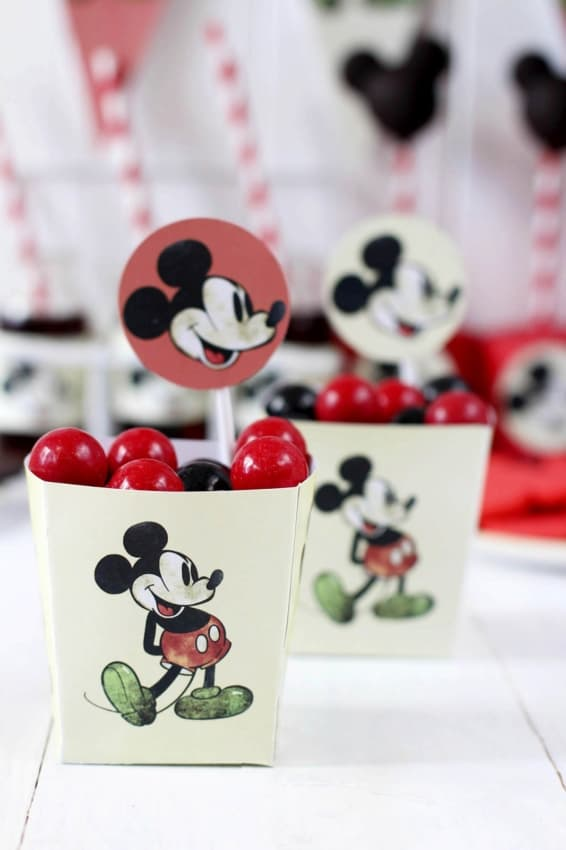 Potinho com balas pou chicletes é uma boa para lembrança do Mickey