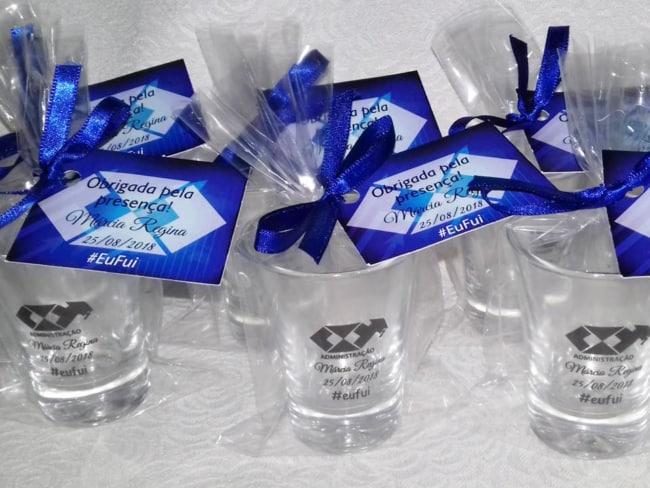 copos pequenos para curso de administração