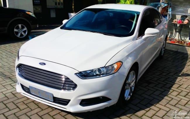 ford fusion branco para casamento