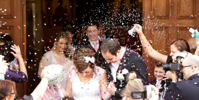 ideias de Saída dos noivos com confete