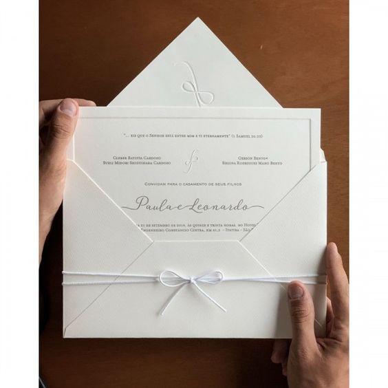 convite de casamento tradicional e clean
