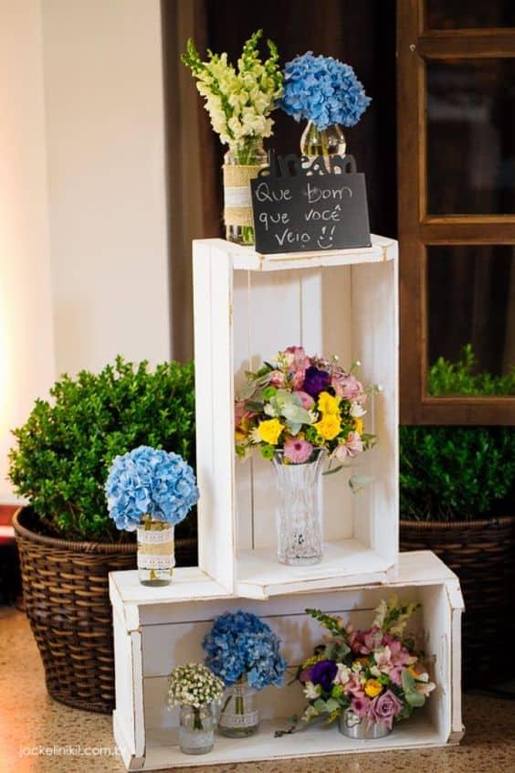 decoração de casamento rústico com caixotes de madeira