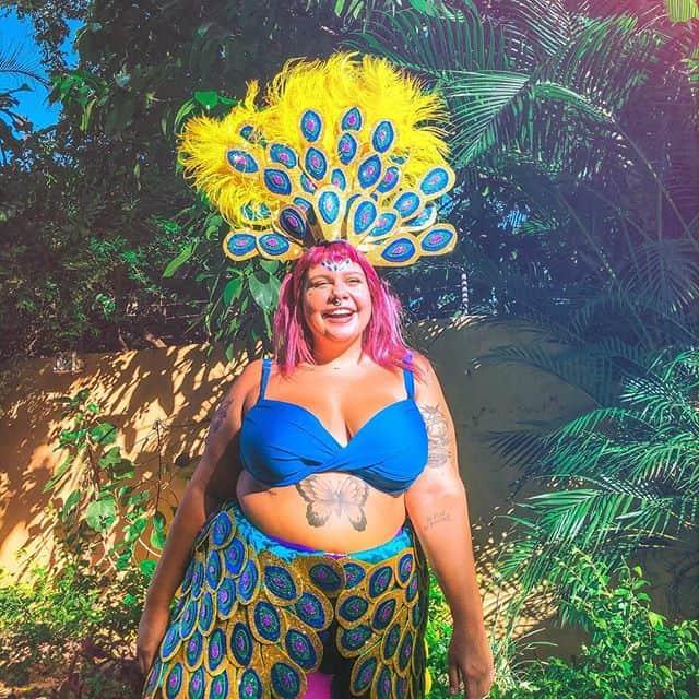 fantasia de carnaval plus size de EVA