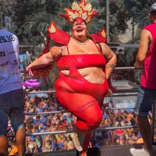 fantasia de fogo plus size para carnaval