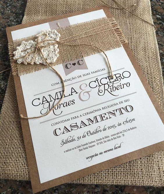 convite de casamento rústico com papel kraft e crochê