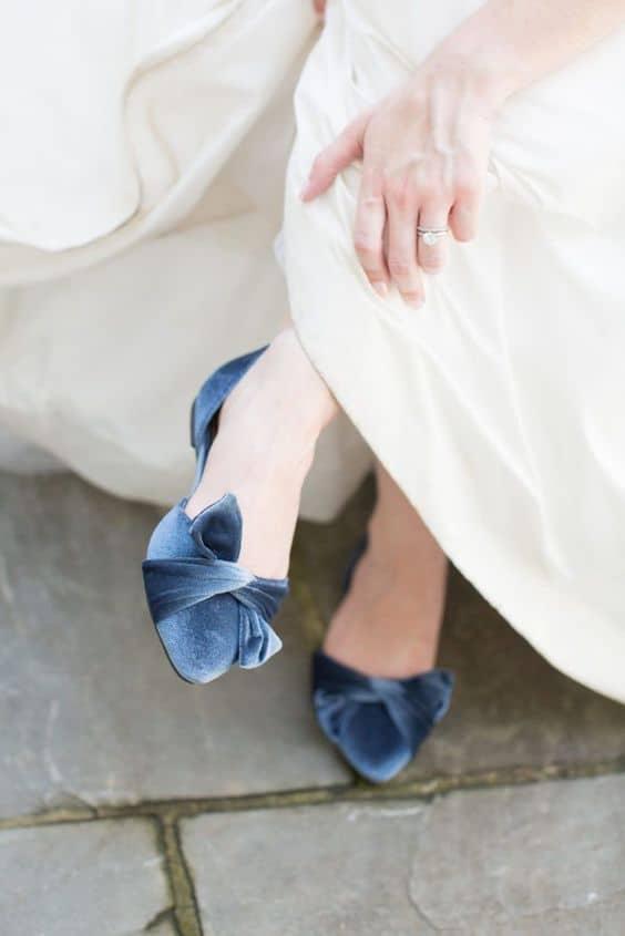 As sapatilhas podem ser de diversas cores