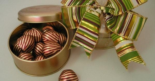 Chocolates são bons presentes para noivas