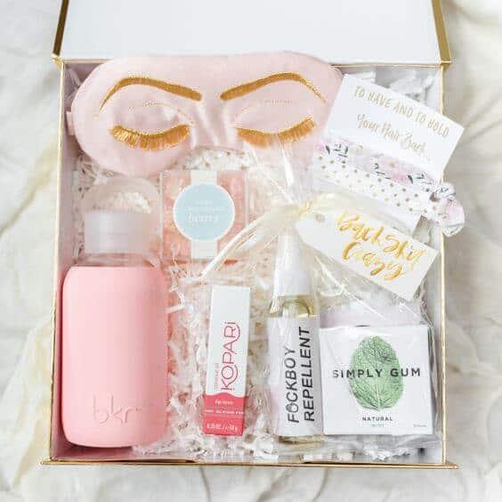 Dica de caixa com kit Spa Day para noiva