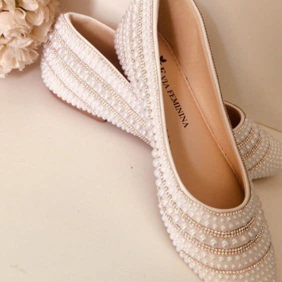 Dica de sapatilha para noiva toda decorada DIY