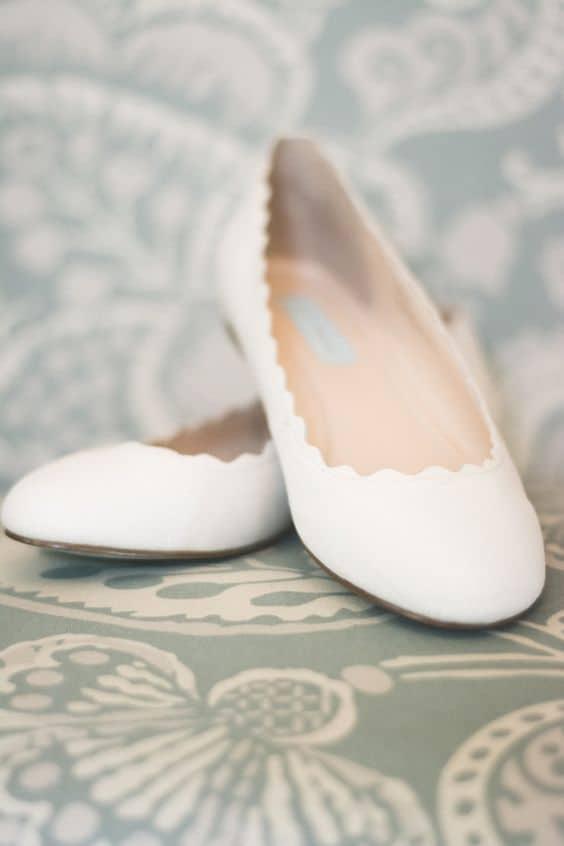Modelo de sapatilha para noiva simples