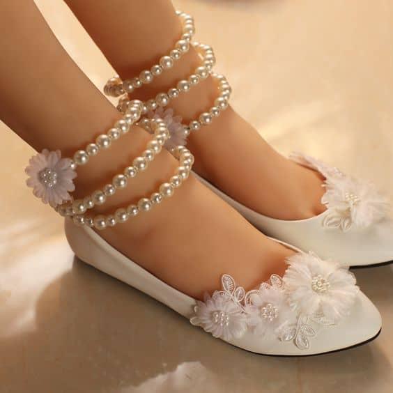 Outro modelo lindo de sapatilha para noivas