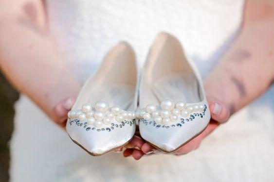 Pérolas na sapatilha para noiva
