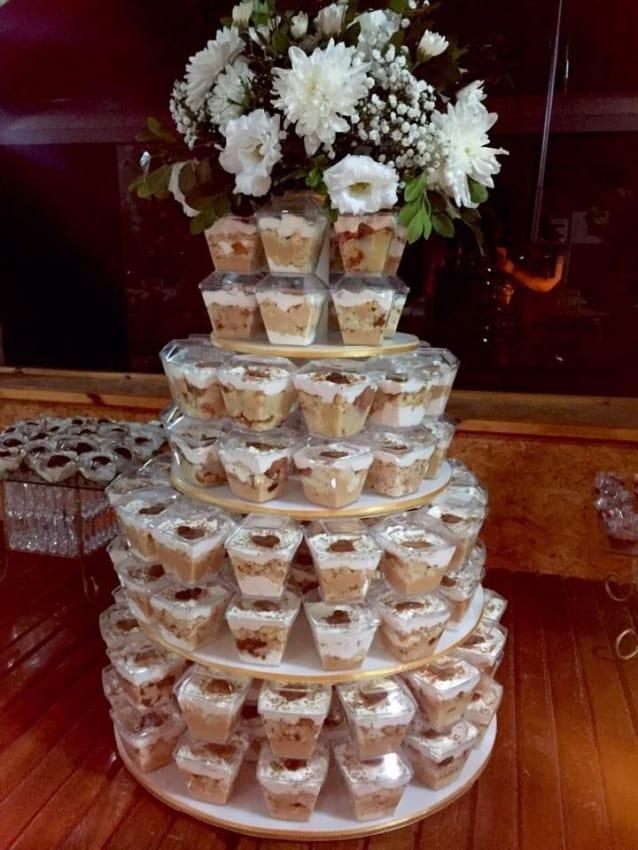 Torre com bolo de pote