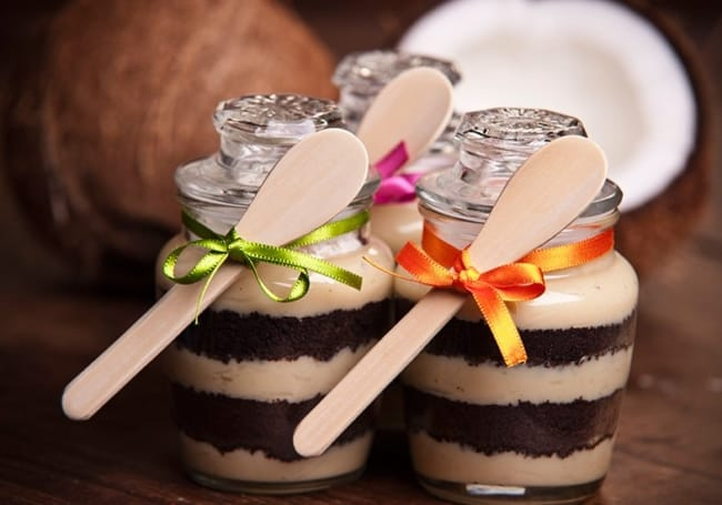 Varie na escolha no pote ou vidro para o bolo