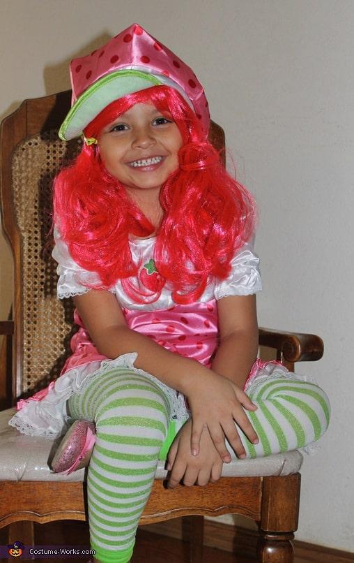 fantasia moranguinho menina com peruca