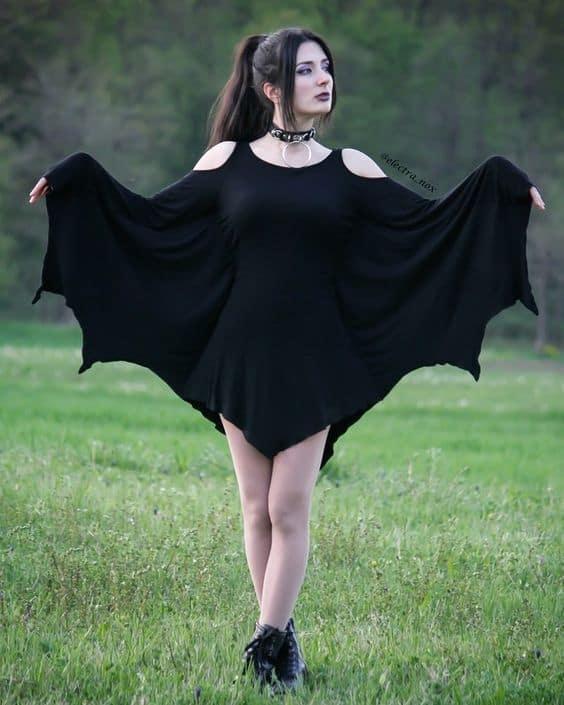 fantasia feminina com vestido e asas de morcego