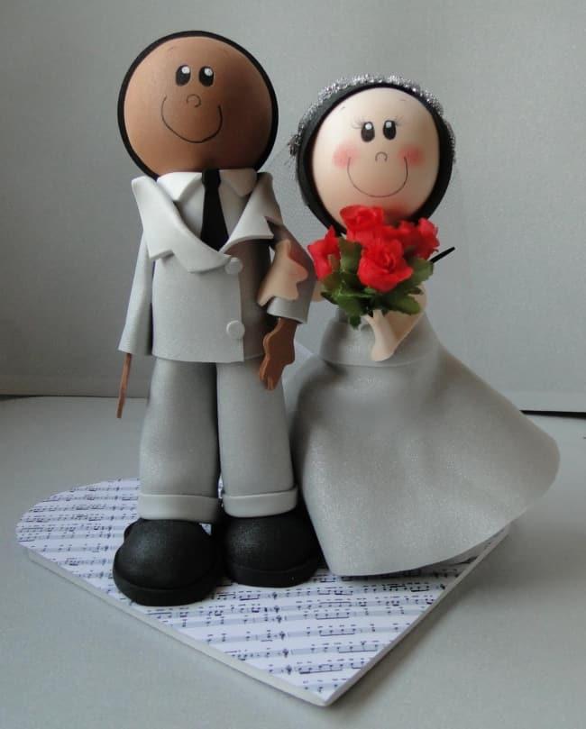 casal de noivos em EVA para bolo de casamento