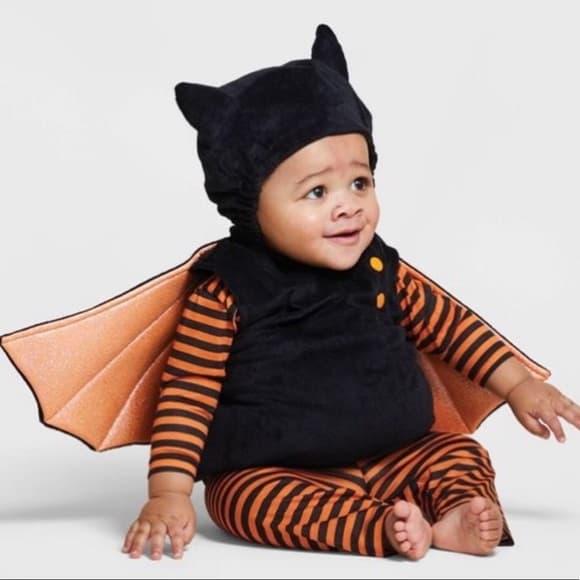 bebê com fantasia de halloween