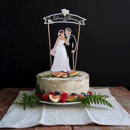 topper de bolo com noivinhos para casamento simples