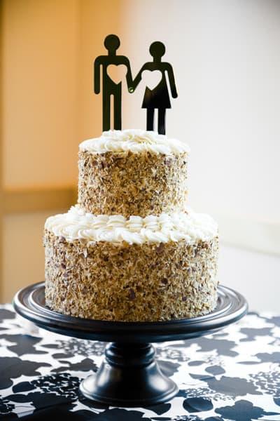 bolo de casamento com topo de papel