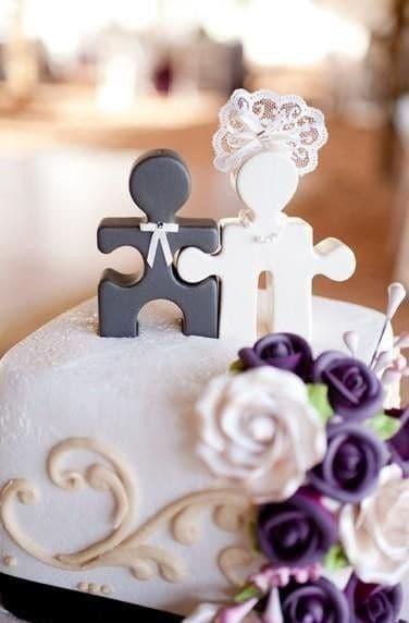 topo de noivinhos moderno para bolo de casamento