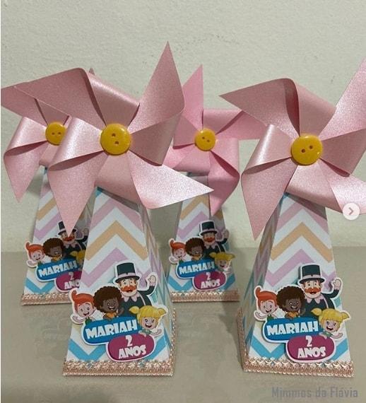 13 caixa cone Mundo Bita rosa