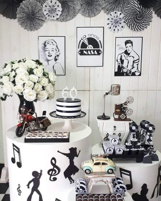festa preta e branca com tema anos 60