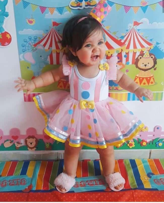fantasia de palhacinha para menina com saia de tule rosa