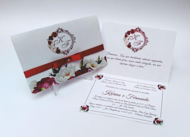 convite marsala com flor
