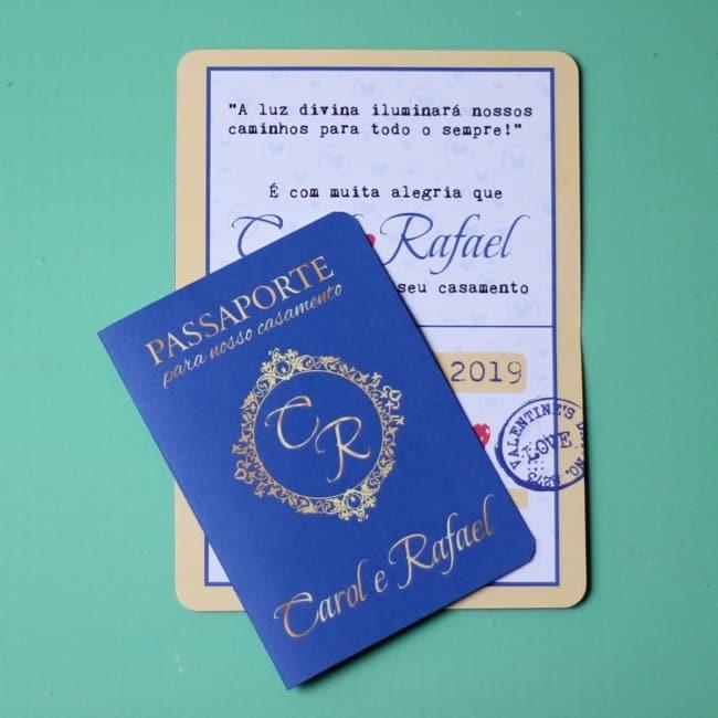 convite de casamento estilo passaporte em azul royal