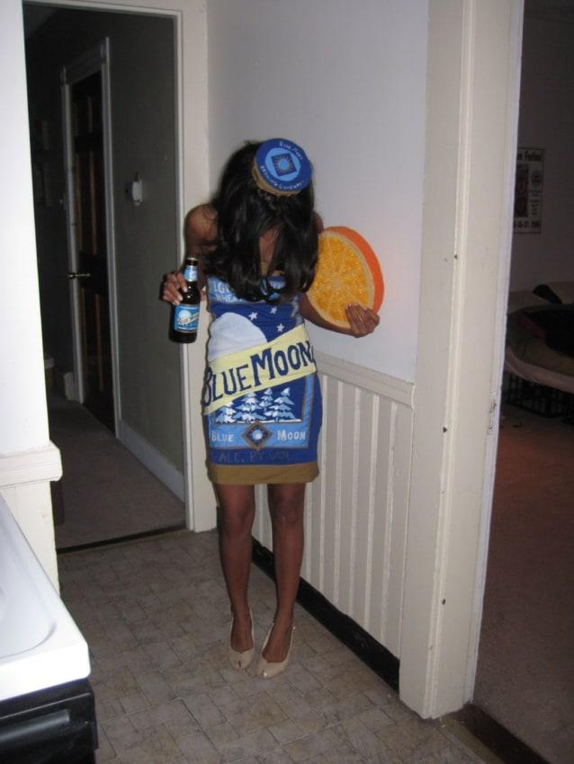 fantasia feminina com vestido de cerveja