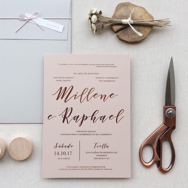 convite de casamento moderno em rose gold