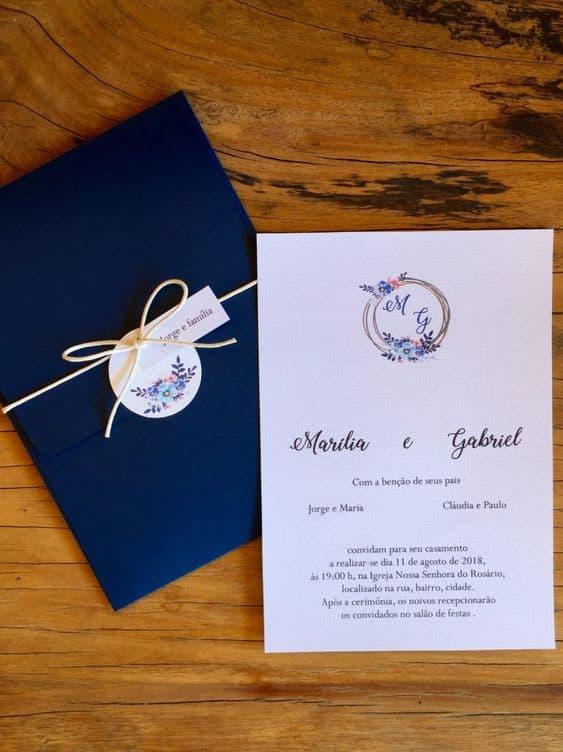convite de casamento simples com envelope azul marinho