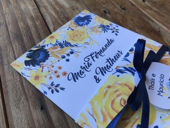 modelo de convite azul e amarelo para casamento