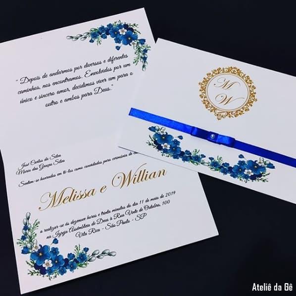 convite de casamento em azul escuro e dourado