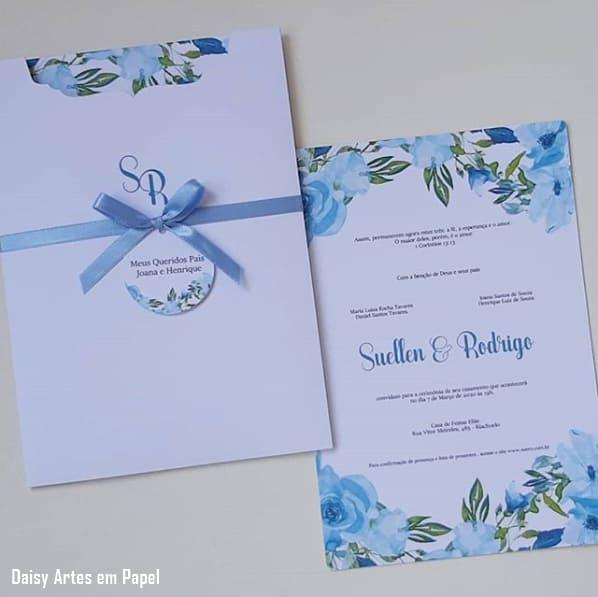 convite floral de casamento em azul serenity